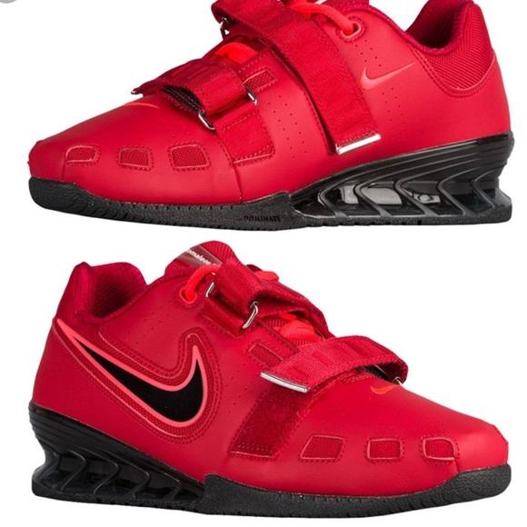 RED Nike Romaleos 2. M 5b4f820474359ba63424d372 d0f5d4594e